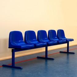 Siedziska na konstrukcji wolnostojącej – ławka przestawna