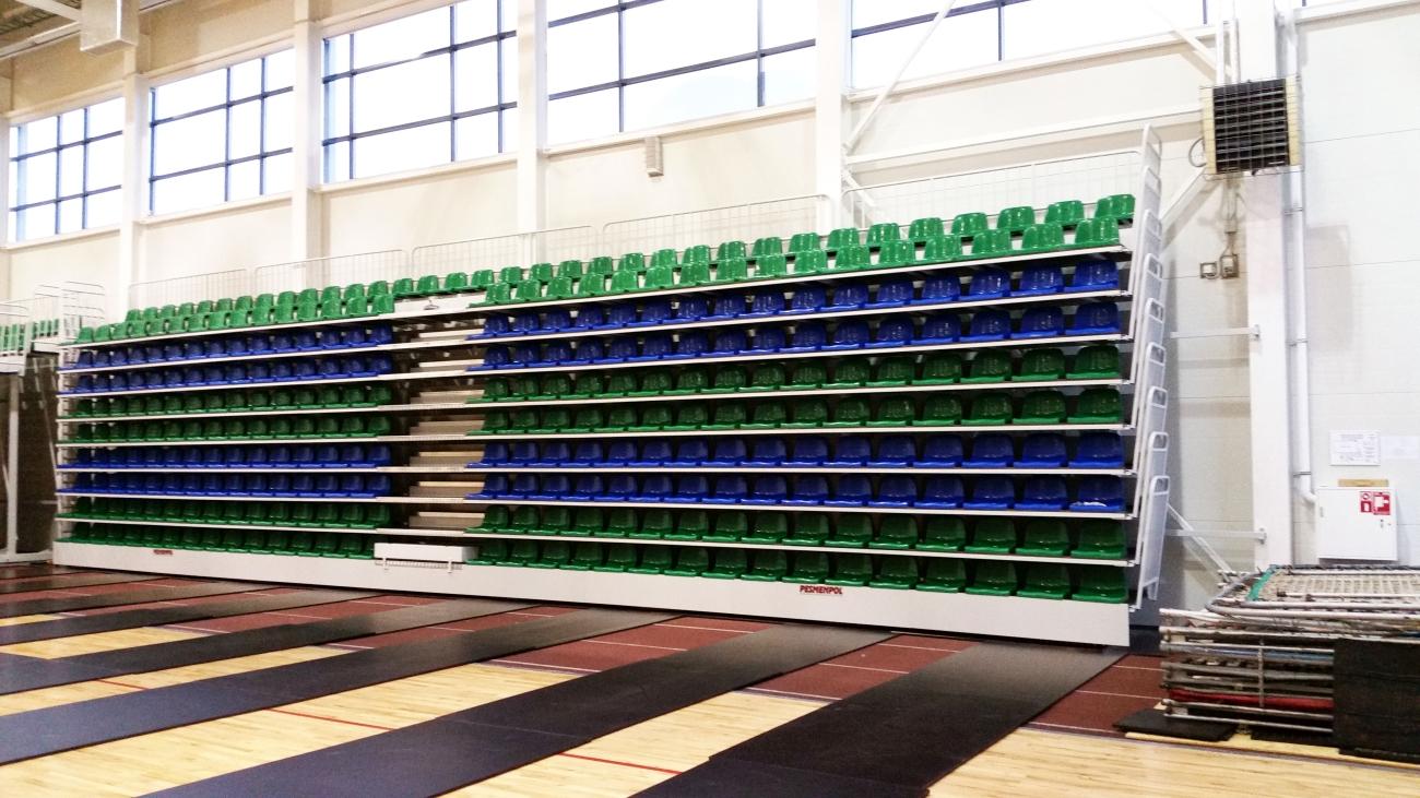 Trybuny składane teleskopowe z siedziskami plastikowymi TTW