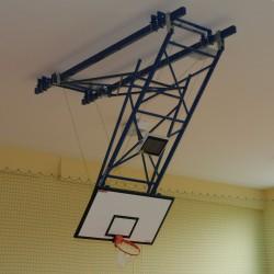 Konstrukcja do koszykówki podwieszana z napędem elektrycznym