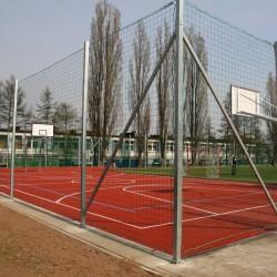 Zestaw elementów montażowych siatek ochronnych na boiska zewnętrzne